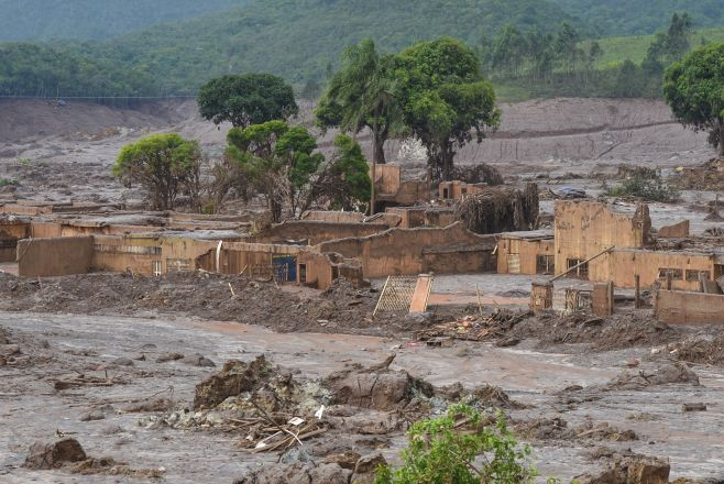 Derrame minero en Brasil