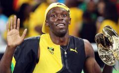 Pagan 16.000 euros por una zapatilla firmada por Bolt