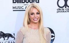 Britney Spears dice que se siente la Virgen María