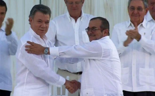 El gobierno colombiano y las FARC firmaron la Paz