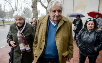 """Mujica: Brasil y Argentina """"están cagando arriba de la mesa"""""""