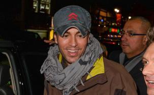 Enrique Iglesias sorprende a una fan por FaceTime