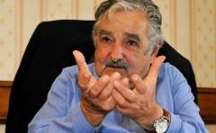 Mujica negó haber facilitado el aval bancario a la empresa Cosmo