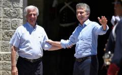 Embajadores planean reunión bilateral entre Vázquez y Macri
