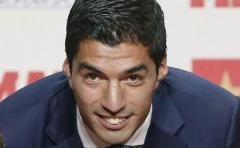 Los saludos a Suárez por la Bota de Oro