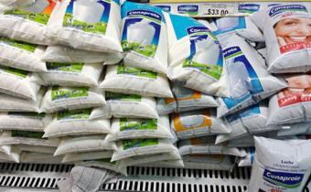 De Izaguirre: la leche podría aumentar más de 1 peso