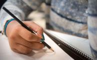 Alumnos con insuficiencias tendrán una semana más de clase