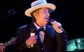 Dylan reconoció durante horas el Nobel, después se rectificó