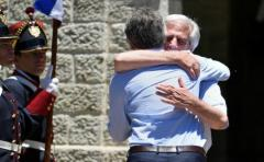 TLC con China y nuevo puente: temas del encuentro Macri y Vázquez