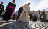 """El papa denuncia """"actos de violencia y sangre fría"""" en Irak"""