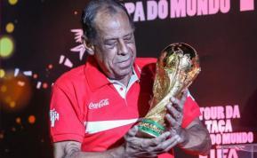 Muere el legendario capitán de Brasil Carlos Alberto