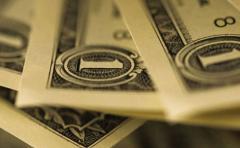 El dólar se fortalece en el mundo