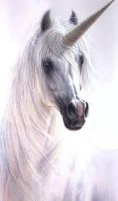 Carmen Chiesa nos trae el mito del Unicornio