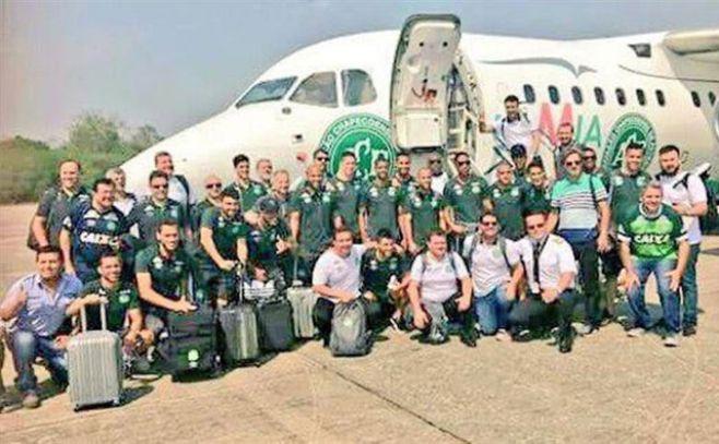México lamenta muerte de futbolistas brasileños en percance aéreo en Colombia