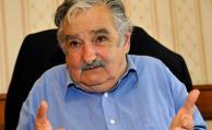 Mujica quiere prohibir a empresas privadas financiar partidos