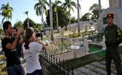 70 mil personas visitaron la tumba de Fidel Castro en un mes