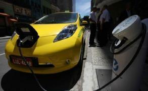 El automóvil verde arranca en China