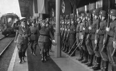 """Teléfono de la muerte"" de Hitler: 243 mil dólares"
