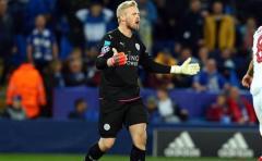 Leicester sufriendo, Juventus tranquilo
