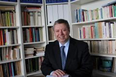 Entrevista central: El Sr Philippe Bastelica. embajador de Francia en Uruguay//El Sommelier Javier Guemberena//Recomendaciones de vinos.