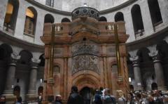 Reabren la tumba de Jesucristo tras meses de restauración