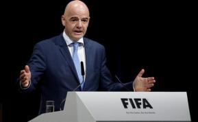 Infantino defiende el Mundial de fútbol con 48 países