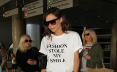 ¿Por qué no sonríe nunca Victoria Beckham?