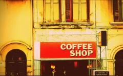 Un hombre mexicano amenazó a los dueños de Coffe Shop