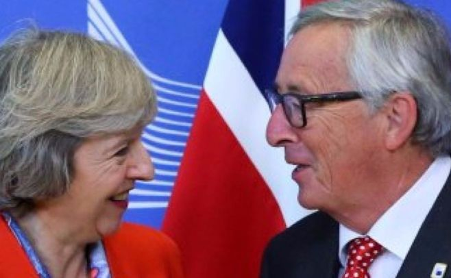 Parlamentarios británicos aprueban adelanto electotal para 8 de junio