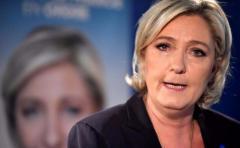 Le Pen pide que se restablezcan fronteras nacionales