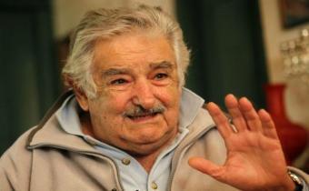 Mujica envía un mensaje de apoyo al francés Mélenchon