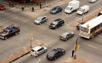 Domingo con cortes y desvíos de tránsito