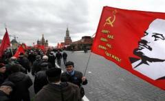 Comunistas defienden momia de Lenin con marcha en la Plaza Roja
