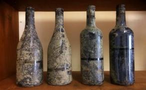 Emerge el primer vino envejecido en el fondo del océano