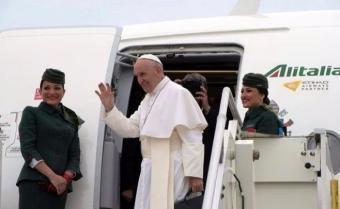 Francisco llega a Egipto para defender la reconciliación