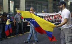 """Opositores """"escrachan� a chavistas en todo el mundo"""