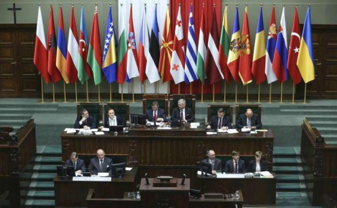 Jefe de OTAN elogia aumento de presupuesto militar de EEUU