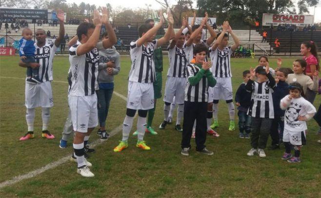 Líderes mantienen posición en Torneo Intermedio uruguayo de fútbol
