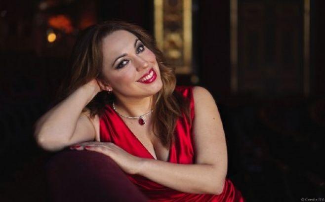 La soprano uruguaya Ma. José Siri brilla en Nápoles