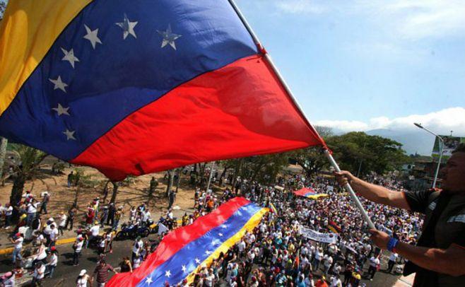 Venezuela: chavistas y opositores vuelven a marchar este lunes