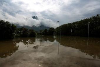 Río amaneció inundado tras mayor lluvia en junio en 20 años