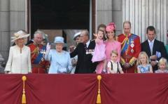 El príncipe Enrique de Inglaterra dice que nadie quiere ser rey o reina