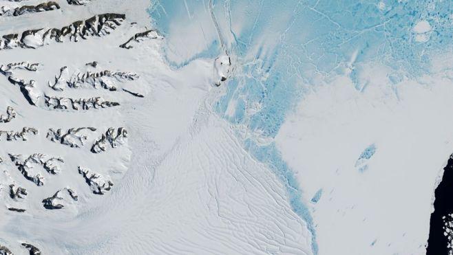 Iceberg gigante se desprendió a 600 km de Base Artigas
