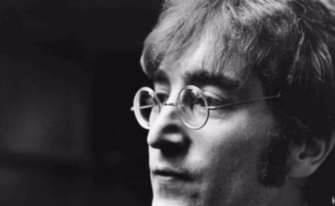 Ponen en venta el disco que Lennon firmó a su asesino antes de morir
