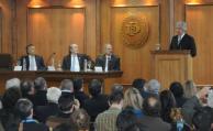 """Vázquez recibió título honoris causa por su trayectoria y """"humanismo"""""""