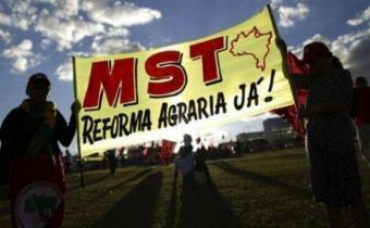 Sin tierra ocupan fincas de ministro y otros supuestos corruptos en Brasil