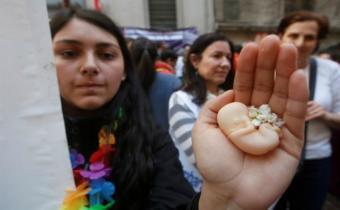 Despenalización del aborto divide a la sociedad chilena