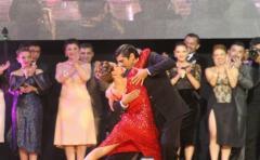 Argentina retiene título en Mundial de Tango, pero con maestría japonesa