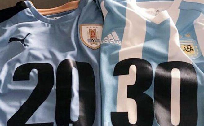 """Uruguay y Argentina buscan ser elegidos """"por aclamación"""" y no llegar a una votación por el Mundial 2030"""