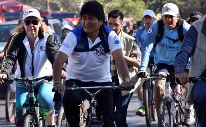 Bolivia celebra el Día del Peatón para reducir la contaminación